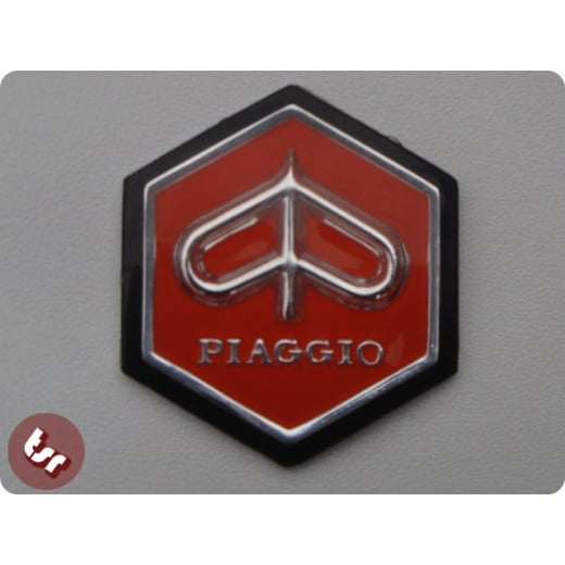 VESPA Horncast Hexagon Badge VLB/SPRINT RALLY - RED